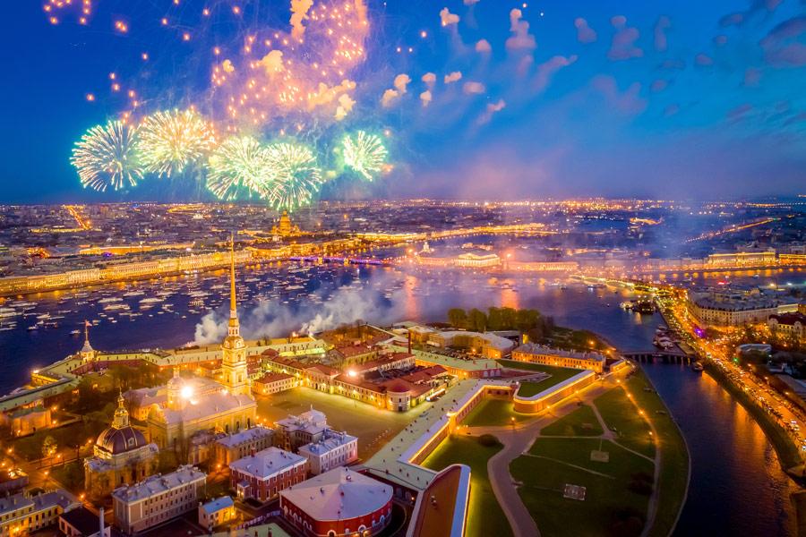 Russie - Voyage à St Pétersbourg au fil des événements