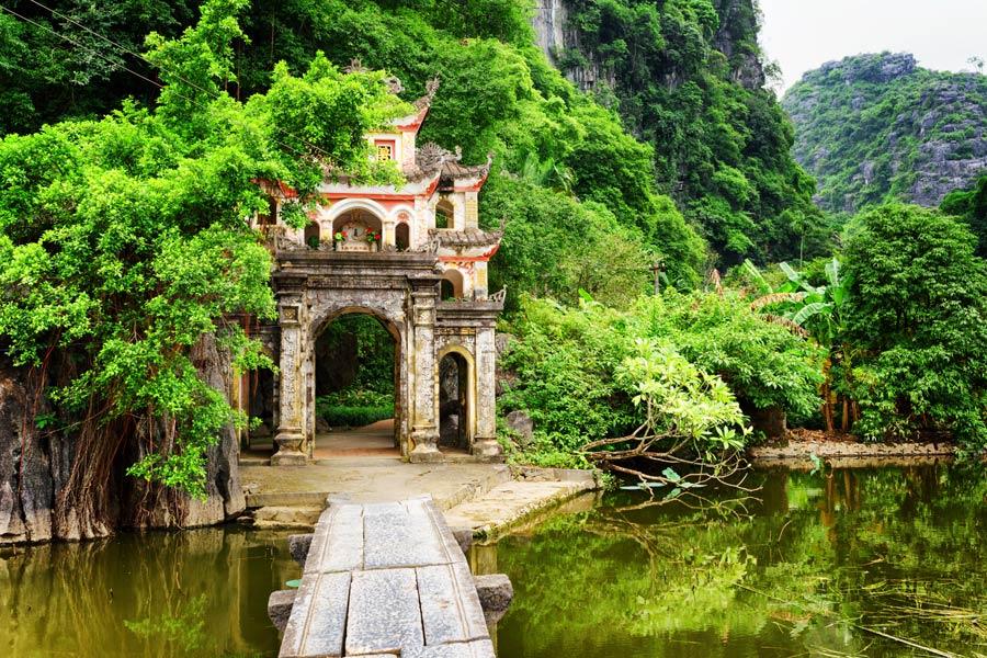Vietnam - Tam Coc, la Baie d'Along Terrestre