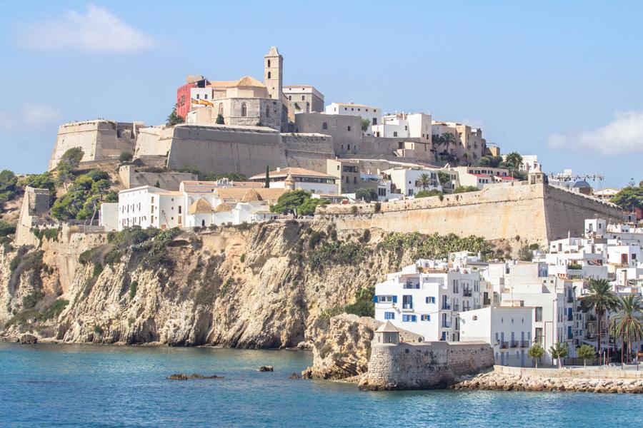 Baléares - Halte à Ibiza, entre plages idylliques et richesse historique