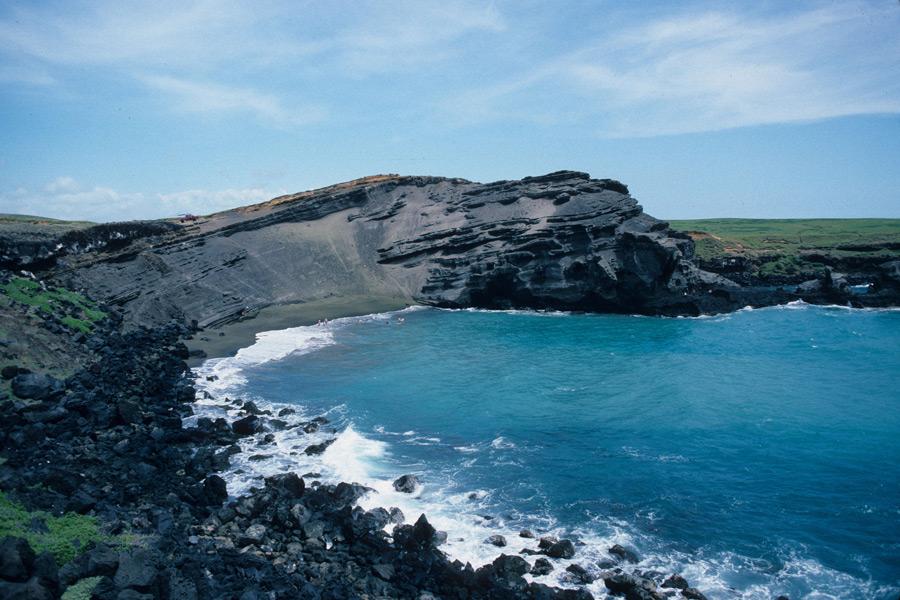 Hawaï - Terre Volcanique et Mer Emeraude