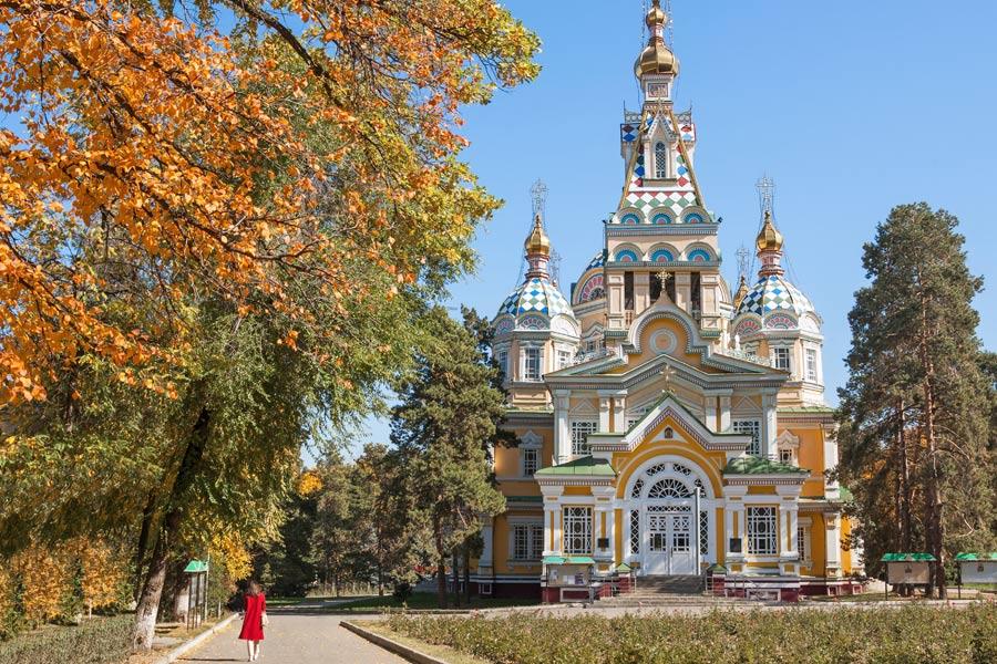 Kazakhstan - Almaty, la ville aux mille couleurs