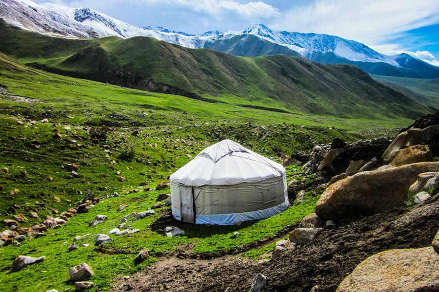 Kirghizistan - Karakol et la Région du Lac Yssykköl