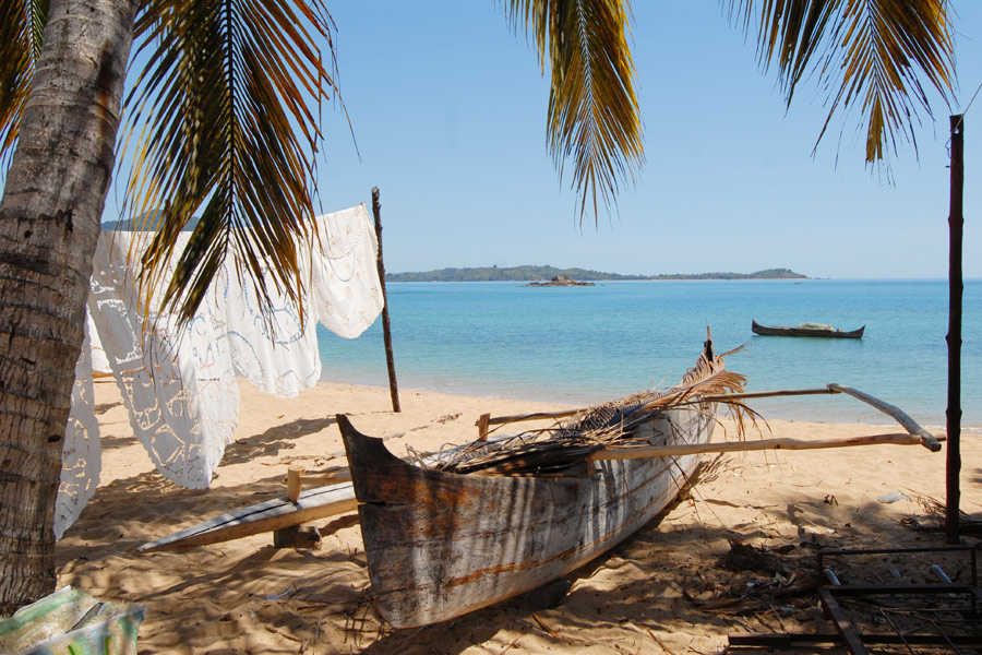 Madagascar - La Vie d'une Pirogue Malagasy