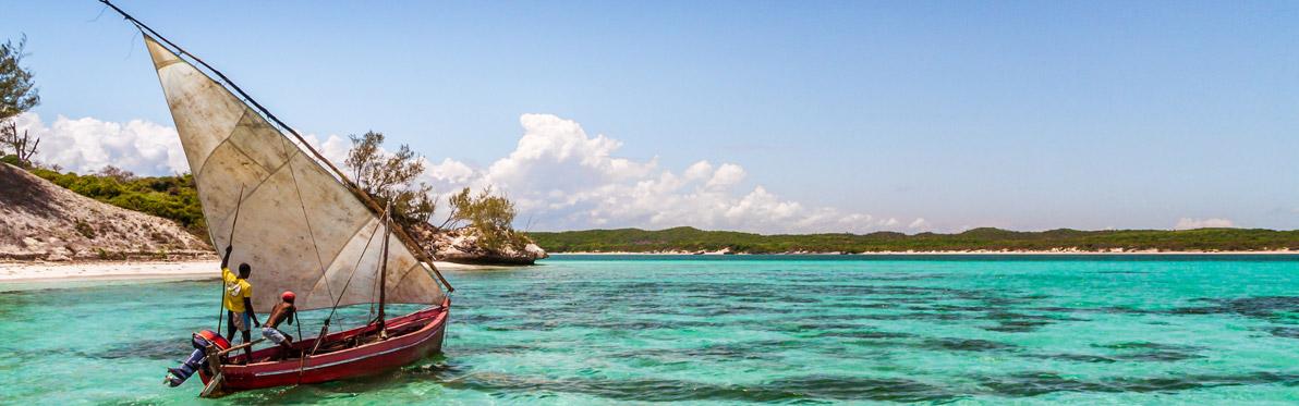 Voyage Découverte à Madagascar - La Vie d'une Pirogue Malagasy