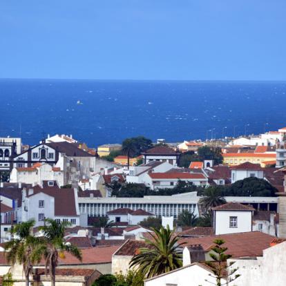 Voyage au Portugal: Vacances au Pays des Géants Verts