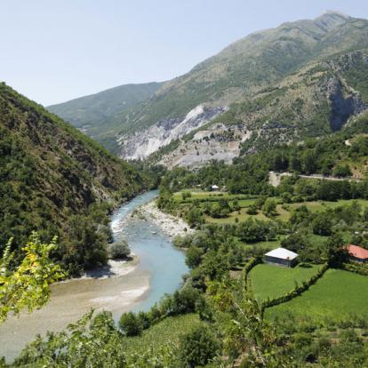 Circuit en Albanie: Alpes et Traditions du Nord de l'Albanie