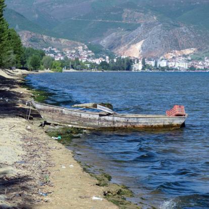 Voyage en Albanie: Découverte des paysages montagneux et excursion balnéaire dans le sud