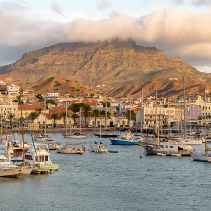 Voyage au Cap Vert : Vallées Tropicales et Plages
