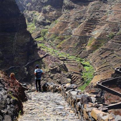 Circuit au Cap Vert : Vallées Tropicales et Plages