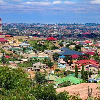 Voyage au Ghana: Randonnées Pédestres et Culturelles