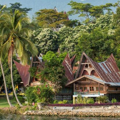 Circuit en Indonésie - Sumatra, Ourangs-Outans et Peuple Batak