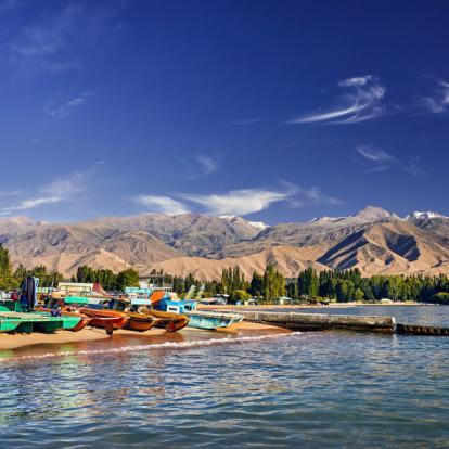 Circuit au Kirghizistan : Lac Issyk Kul, Perle d'Asie Centrale
