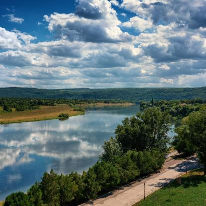 Circuit en Moldavie : Tour d'horizon de la Gastronomie Moldave