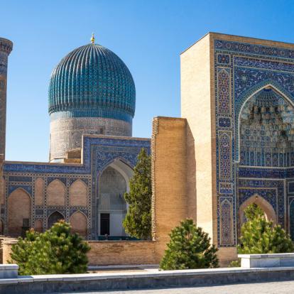 Voyage en Ouzbékistan : Au Pays des Dômes Bleus