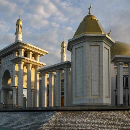 Circuit au Turkménistan : Les Charmes Cachés du Désert